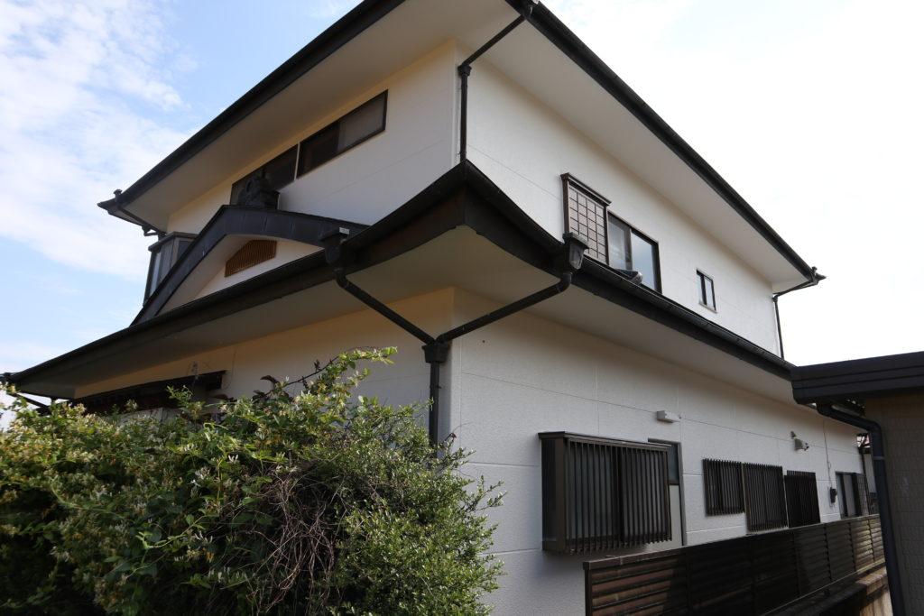ALCの外壁塗装 アイボリー 銅板屋根 銅板樋